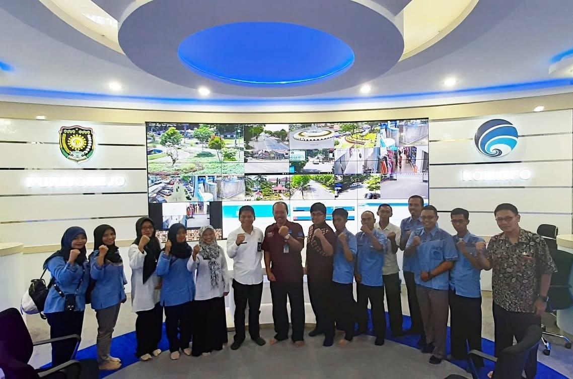 Dinas Komunikasi dan Informatika Kabupaten Purworejo terima kunjungan dari Dinas Kominfo Kabupaten Wonosobo terkait acara Study Referensi di Command Center